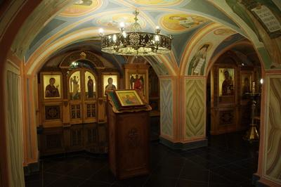 Нижний храм в честь Собора архангела Михаила. Оптина Пустынь